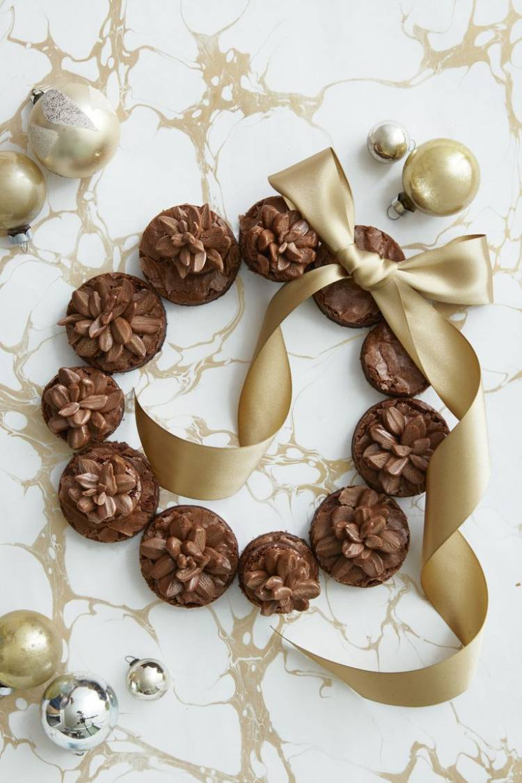 Pinecone Brownie Wreath