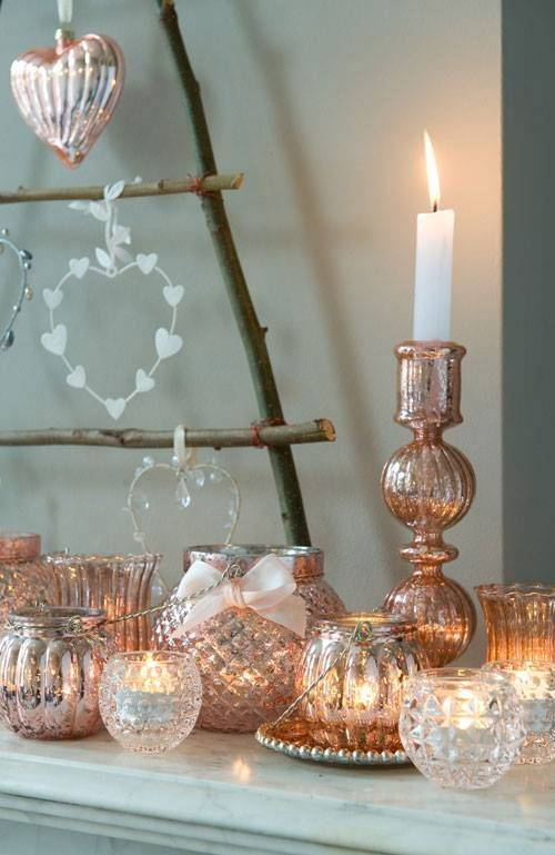 13 ROSE GOLD CHRISTMAS ORNAMENTS FOR A GLAM TREE