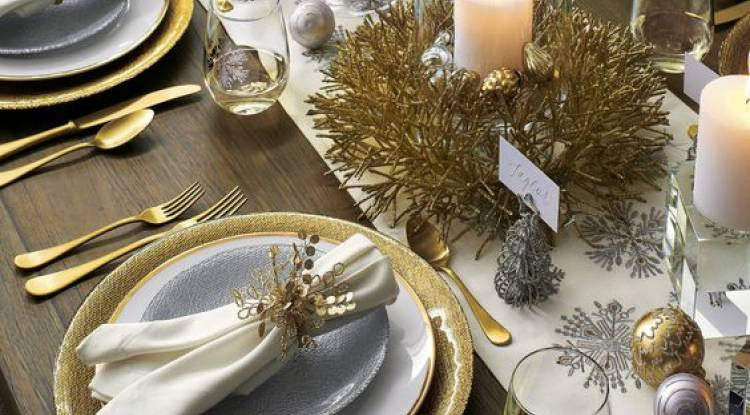 9 CHRISTMAS TABLE FOR DINING
