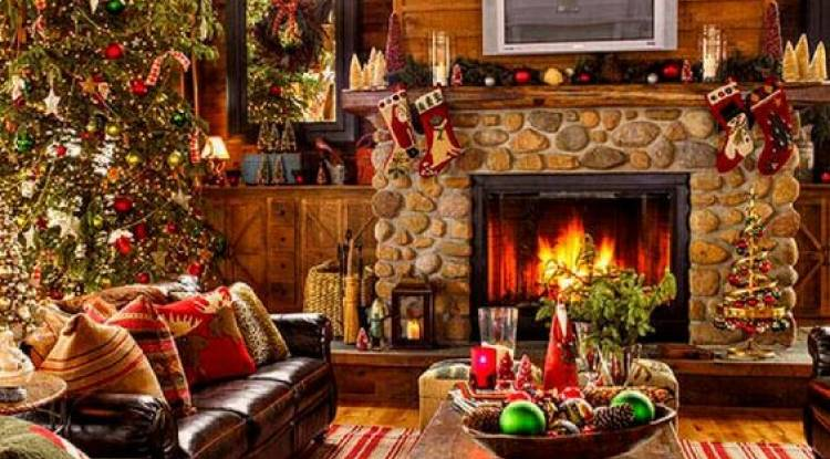 11 WAYS TO MAKE YOUR LIVING ROOM CHIC FOR CHRISTMAS